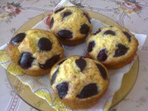 Снимка 2 от рецепта за Мъфини с вишни и вишновка