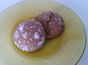 Снимка 5 от рецепта за Напукани какаови сладки с орехи