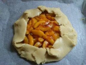 Снимка 5 от рецепта за Нестандартен пай от праскови
