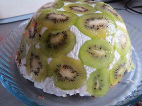Снимка 2 от рецепта за Обърната торта с киви без печене