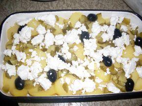 Снимка 3 от рецепта за Огретен с картофи и кисели краставички