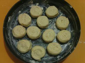 Снимка 2 от рецепта за Охлювчета с кокос и масло