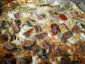 Снимка 2 от рецепта за Омлет със зеленчуци и колбас на фурна
