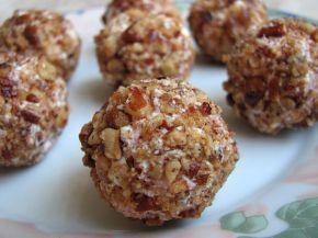 Снимка 3 от рецепта за Орехов `трюфел` със сирене