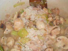 Снимка 2 от рецепта за Ориз с пилешко, гъби и къри
