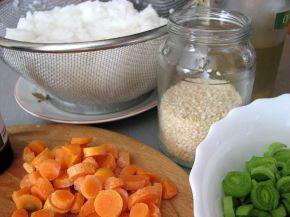 Снимка 4 от рецепта за Пържен ориз със зеленчуци