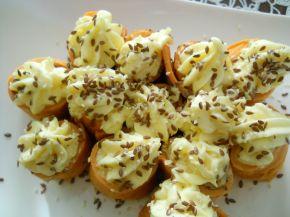 Снимка 2 от рецепта за Палачинки с доматено пюре и пълнеж от картофено пюре и сирене