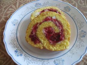 Снимка 5 от рецепта за Пандишпанено руло с конфитюр