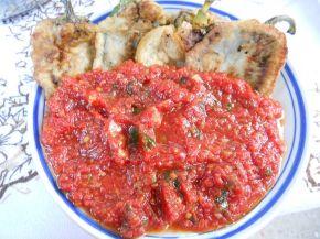 Снимка 4 от рецепта за Панирани чушки с доматен сос