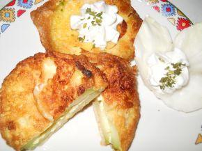 Снимка 3 от рецепта за Панирани тиквички с плънка от яйце и сирене
