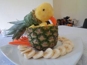 Снимка 3 от рецепта за Папагал от ананас