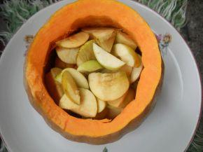 Снимка 2 от рецепта за Печена тиква с ябълки и канелени пръчици