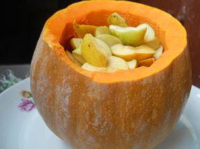 Снимка 3 от рецепта за Печена тиква с ябълки и канелени пръчици