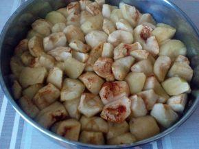 Снимка 2 от рецепта за Печени ябълки на парченца