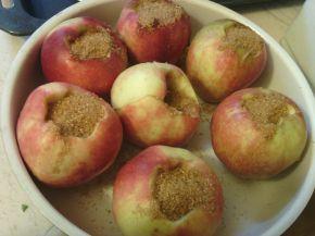 Снимка 2 от рецепта за Печени ябълки с кафява захар