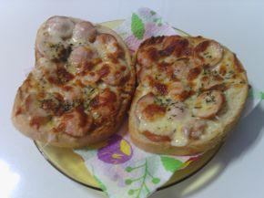 Снимка 5 от рецепта за Печени сандвичи с наденица и кашкавал