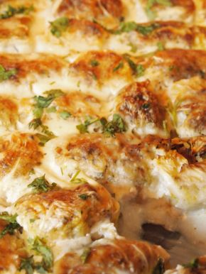 Снимка 2 от рецепта за Печени сармички с млечен сос