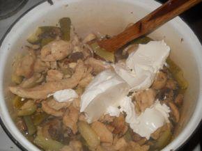 Снимка 3 от рецепта за Пиле `Жулиен`
