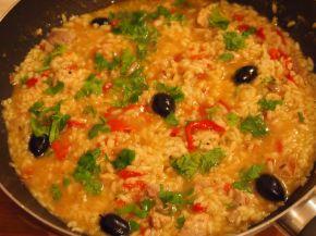 Снимка 2 от рецепта за Пиле с ориз, маслини и чушки