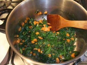 Снимка 4 от рецепта за Пилешка супа със спанак