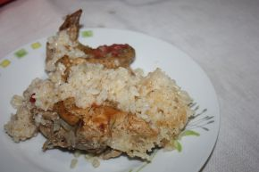 Снимка 4 от рецепта за Пилешки бутчета и крилца  с ориз
