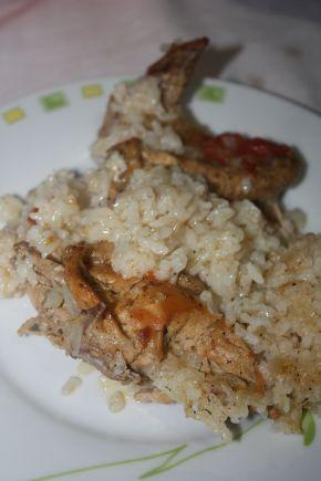 Снимка 6 от рецепта за Пилешки бутчета и крилца  с ориз