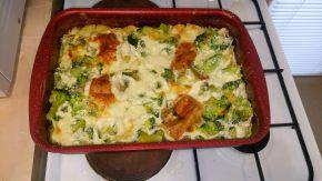 Снимка 2 от рецепта за Пилешки бутчета с броколи и сметана