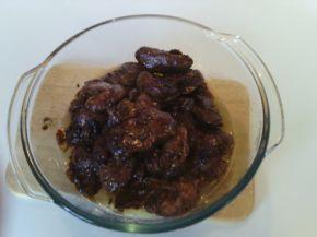 Снимка 2 от рецепта за Пилешки дробчета с вино и лук