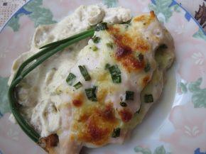Снимка 7 от рецепта за Пилешки гърди, пълнени с кашкавал и гъбен сос с горчица
