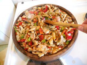 Снимка 3 от рецепта за Пилешко със зеленчуци на сач