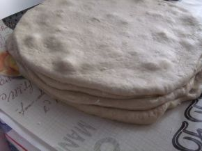 Снимка 7 от рецепта за Питка пухкавелка