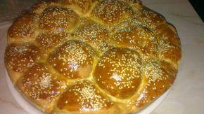 Снимка 5 от рецепта за Питка с бекон и топено сирене