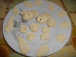 Снимка 2 от рецепта за Питка със сирене и украса от тесто