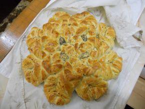 Снимка 3 от рецепта за Питка `Цвете`
