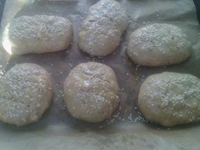 Снимка 2 от рецепта за Питчици от лимец и типово брашно с пълнеж от сирене и кренвирши