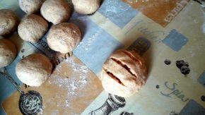 Снимка 5 от рецепта за Питчици от лимец и типово брашно с пълнеж от сирене и кренвирши