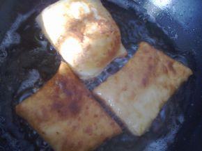 Снимка 9 от рецепта за Питки, рязани с чиния