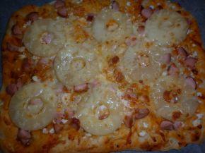 Снимка 10 от рецепта за Моята пица `Хаваи` с готово тесто