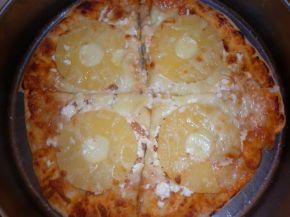 Снимка 7 от рецепта за Моята пица `Хаваи` с готово тесто