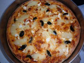 Снимка 2 от рецепта за Пица с моцарела, ананас и маслини
