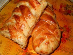 Снимка 2 от рецепта за Плетенички от бутер тесто с плънка