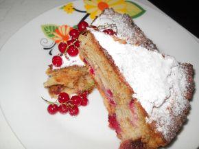 Снимка 3 от рецепта за Плодов сладкиш с вишни и касис
