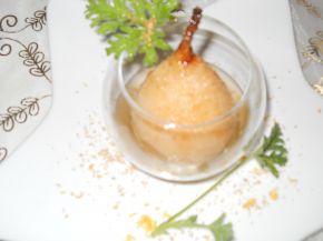 Снимка 2 от рецепта за Поширани круши с бяло вино, грейпфрут и индрише