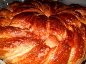 Снимка 3 от рецепта за Пухкава питка с кисело мляо
