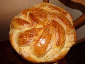 Снимка 6 от рецепта за Пухкава питка с кисело мляо