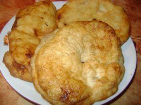 Снимка 2 от рецепта за Пухкави мекици с пудра захар