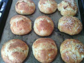 Снимка 5 от рецепта за Пухкави сиренки с масло