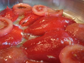 Снимка 2 от рецепта за Пълнени чушки с яйца и сирене