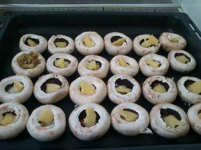 Снимка 2 от рецепта за Пълнени гъби с кайма