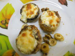 Снимка 4 от рецепта за Пълнени гъби с кашкавал, сирене и маслини